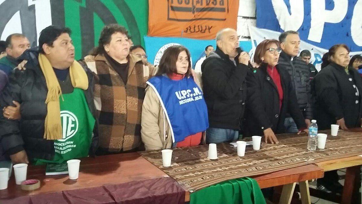 Gremios estatales realizan jornada de protesta