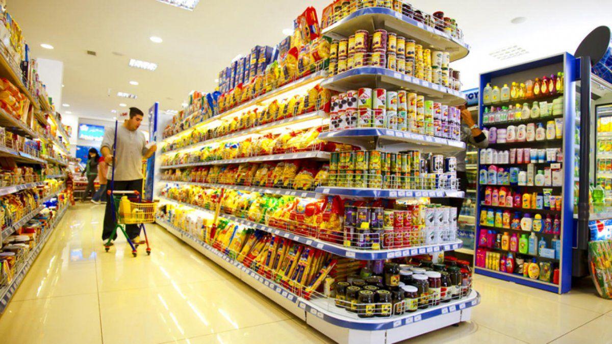 Comercio, primer sector en activar clausula gatillo