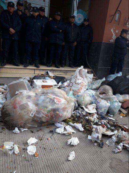 Al Concejo lo tapó la basura