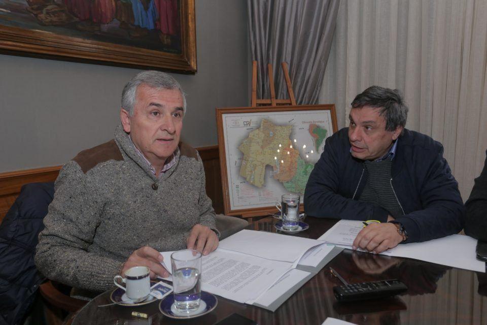 El gobierno sella su alianza con un dirigente sospechado de corrupción