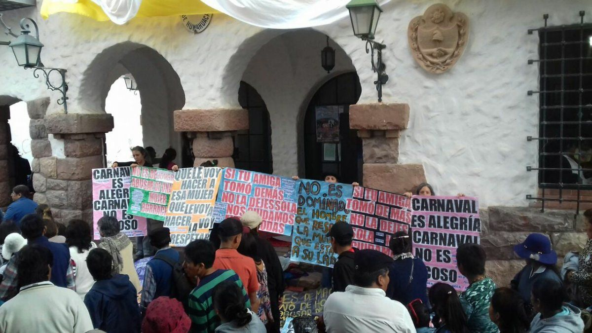 Carnaval Buscan Concientizar Contra El Acoso Con Frases