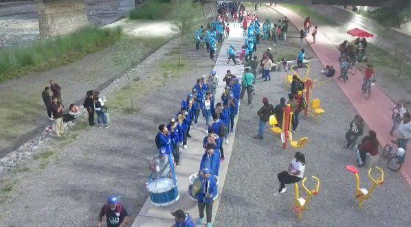 Sikuris llenaron de música y tradición el Parque Xibi Xibi