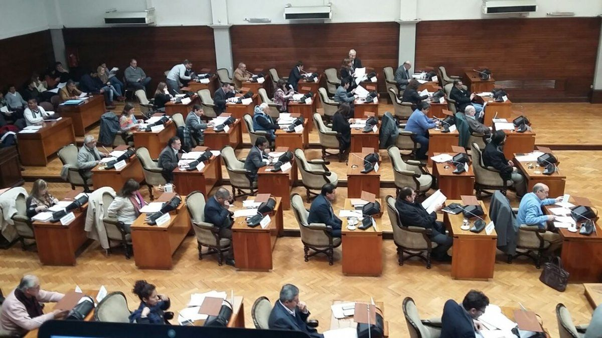 24 diputados abandonan (o no) la Legislatura