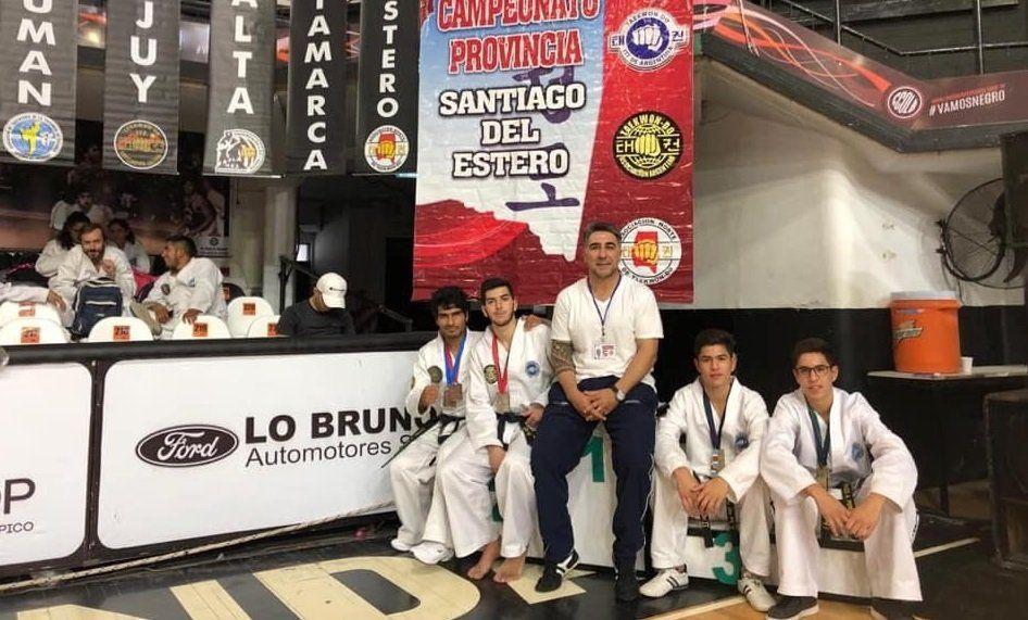 Taekwondistas jujeños subieron al podio en Santiago del Estero