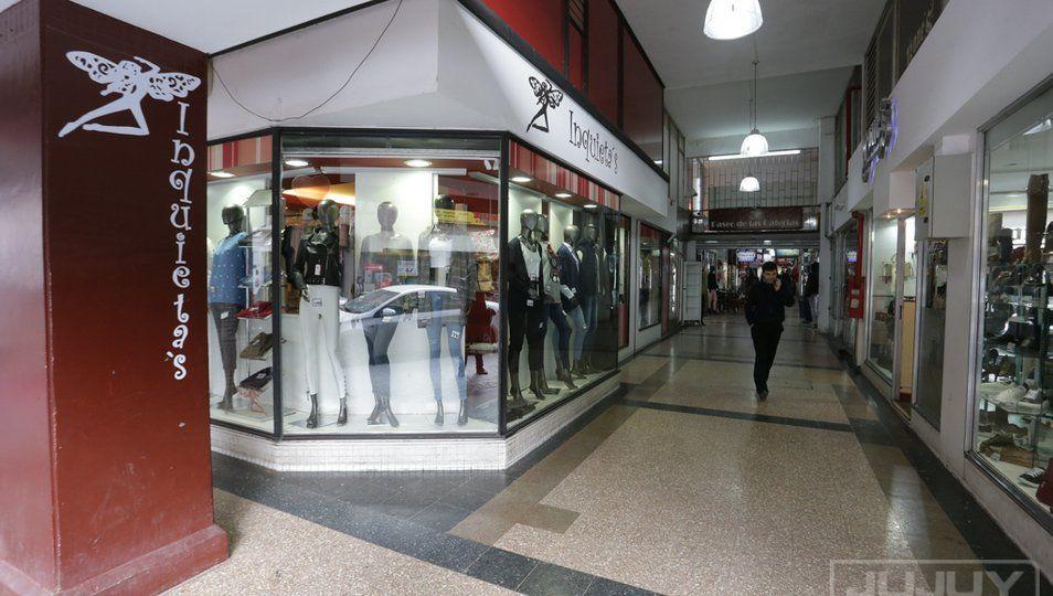 Las ventas minoristas cayeron 14,1% en un año