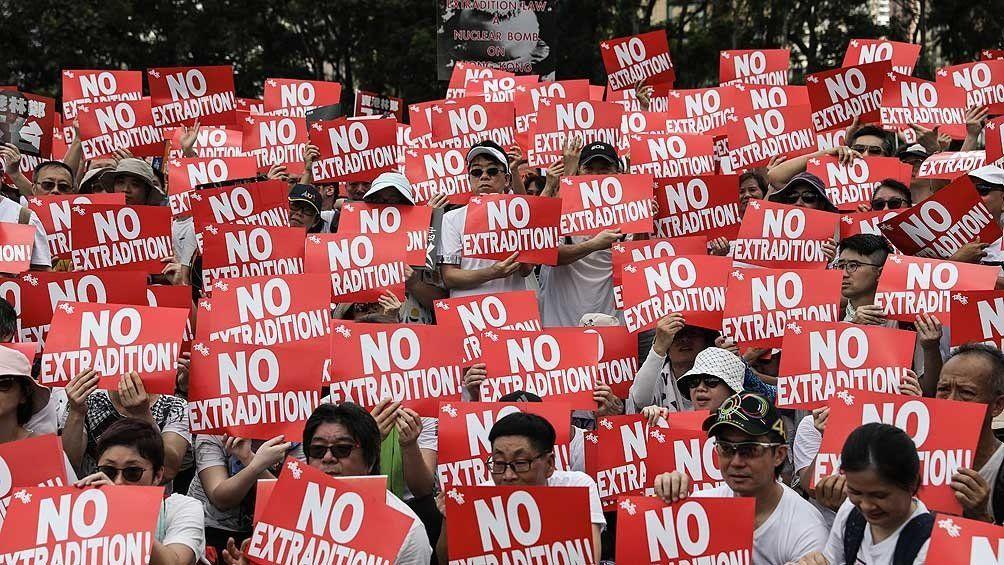 Convocan a protestas y un paro general contra la ley de extradición a China