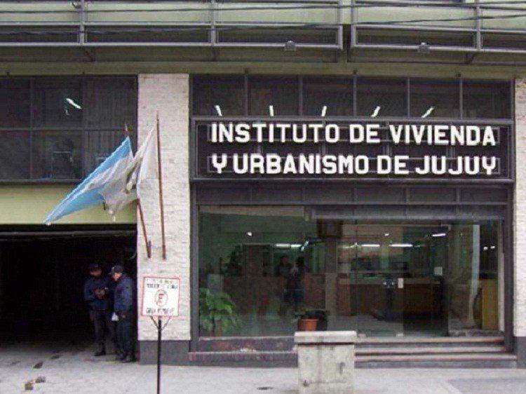 Falsos gestores del IVUJ: Una mujer quedó detenida