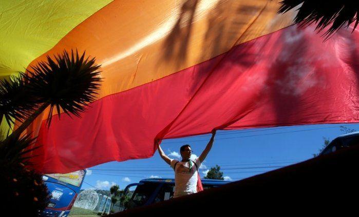 Ecuador legalizó el matrimonio homosexual