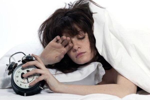 4 pasos para enseñarle a tu cuerpo a despertarse más temprano