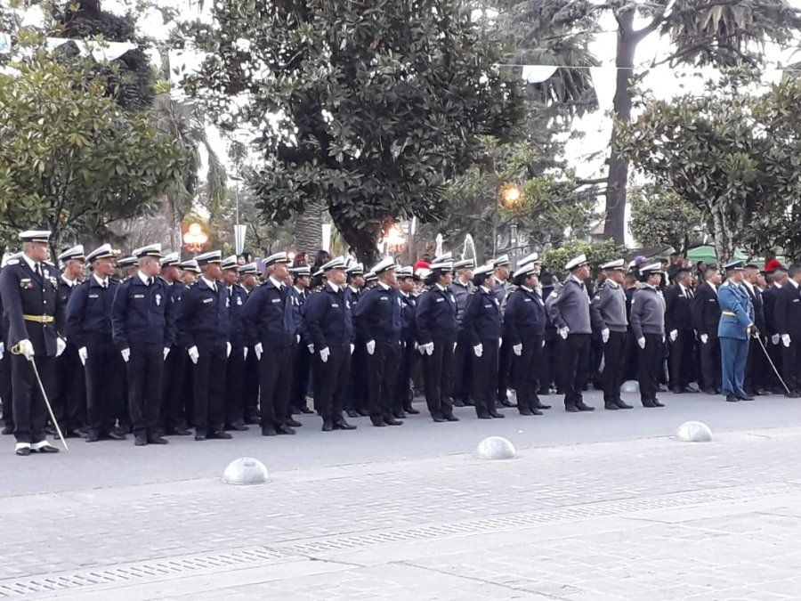 Alumnos del Instituto de Seguridad Pública juraron a la Bandera
