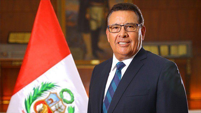 Murió el ministro de Defensa de Perú durante un viaje oficial