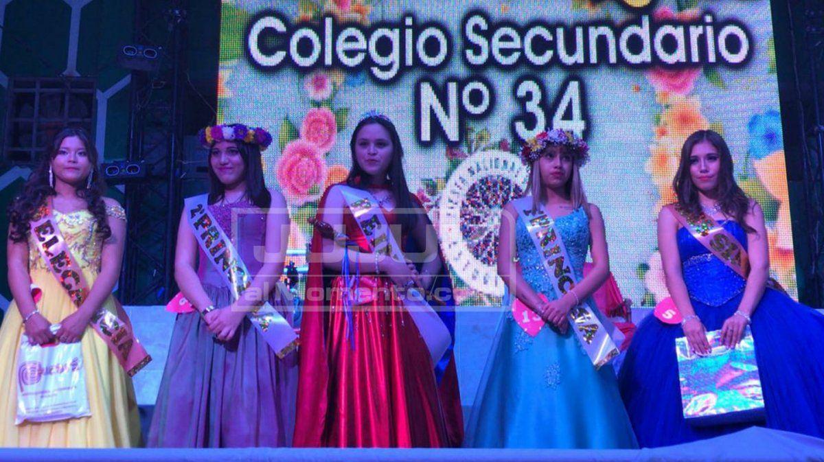 Bárbara Bravo es reina del Colegio Secundario N° 34