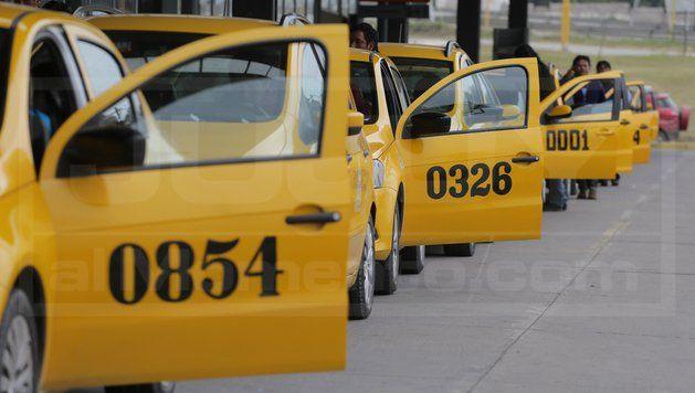 """Taxistas denuncian """"zonas liberadas"""" para el transporte ilegal"""