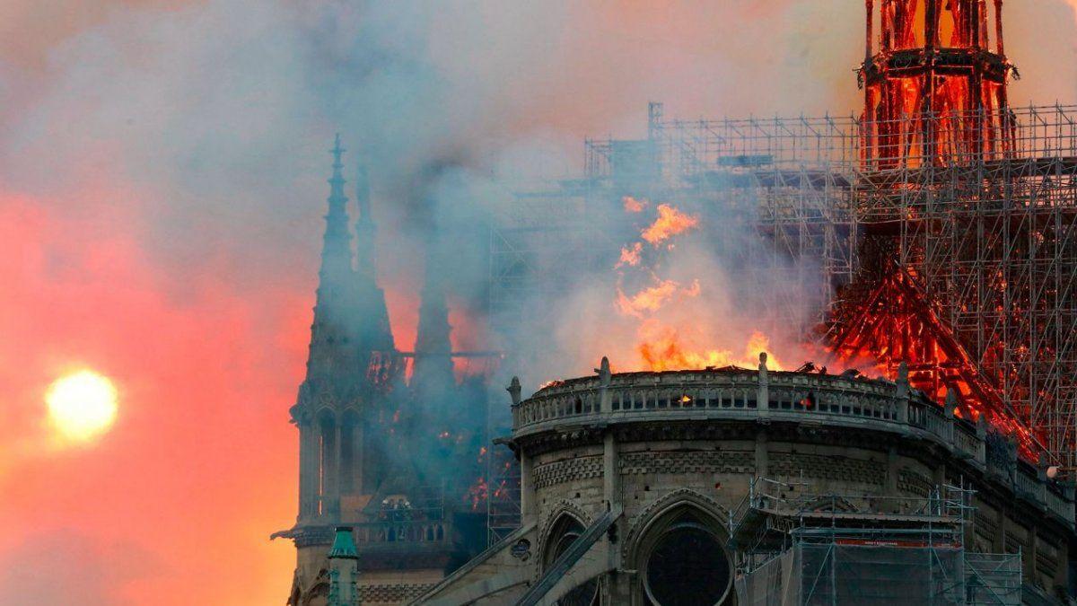 Francia aprobó un proyecto de ley para restaurar Notre Dame en 5 años
