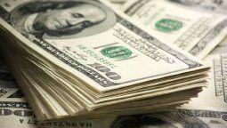 altText(El dólar se mantuvo estable)}