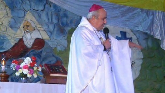 """Obispo: """"¿A quién no se le parte el corazón cuando un niño pide pan?"""""""