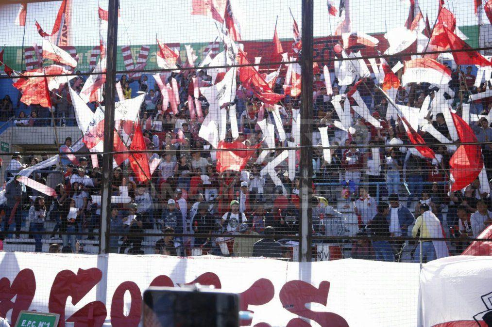 Sábado estudiantil a pleno en el Estadio 23 de agosto
