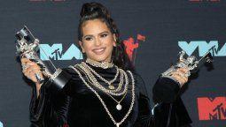 altText(Rosalía hace historia: es la primera española en ganar un MTV Music Award)}