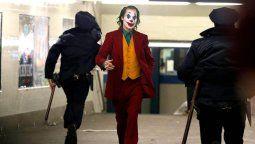 altText(Antes del estreno: ¡Mirá el tráiler final de Joker!)}