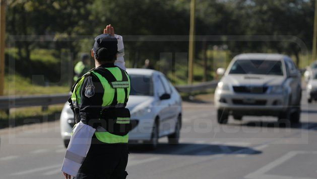 Controles viales: Casi una centena de conductores alcoholizados