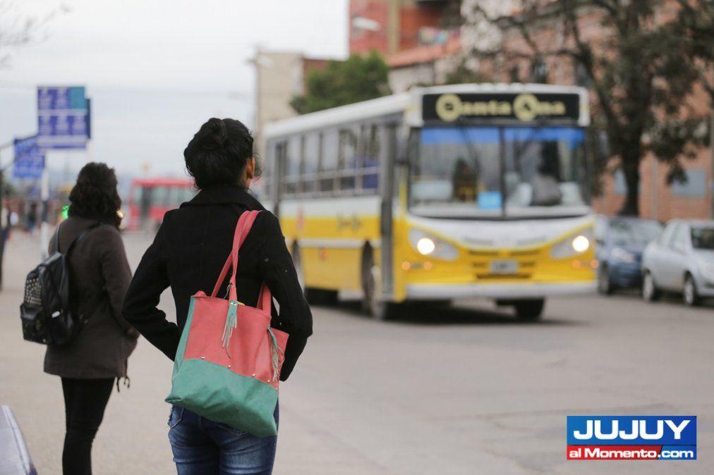 Transporte: sólo 3 empresas pagaron los sueldos