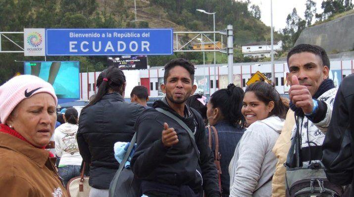 Ecuador permitirá el paso a venezolanos que deseen llegar a otro país de la región