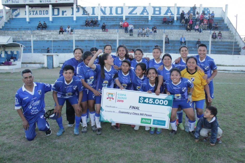 Las expresitas, primeras finalistas de fútbol femenino