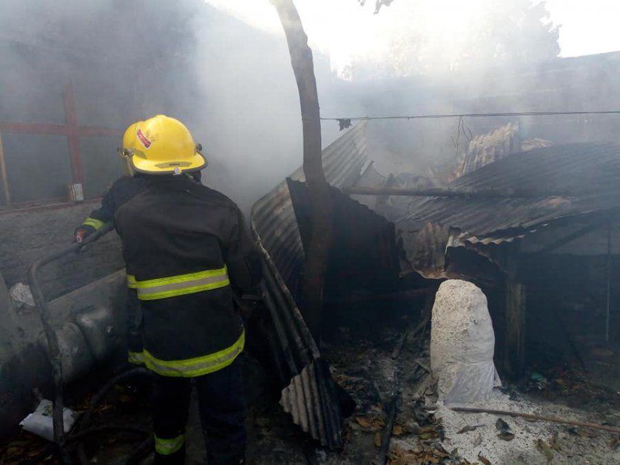 Se incendió una vivienda en El Carmen