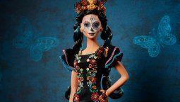 altText(La Barbie de Día de Muertos: celebrada y criticada)}