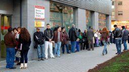 altText(La desocupación creció al 10,6% y afecta a 2,5 millones de personas)}