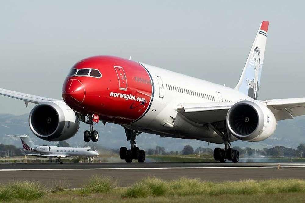 Arribó al nuevo aeropuerto el primer vuelo de Norwegian