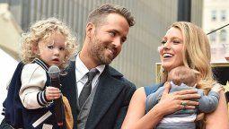 altText(Blake Lively da a luz a su tercer hijo con Ryan Reynolds)}