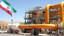 altText(El precio del barril de petróleo Brent superó los 60 dólares)}