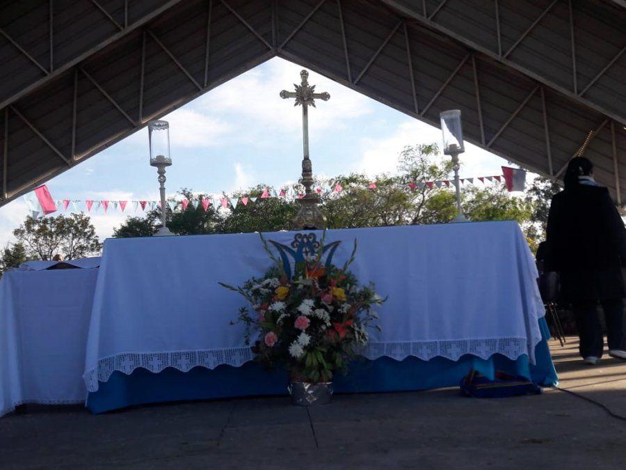 Cientos de fieles en la 1° peregrinación a Río Blanco