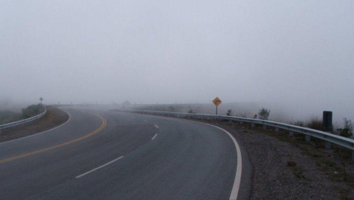 Neblina en Bárcena, Ruta 73 en Santa Ana se habilita desde las 7