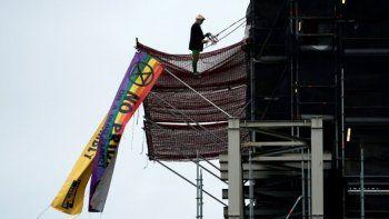 Ecologistas subieron al Big Ben y marcharon por las calles de Londres