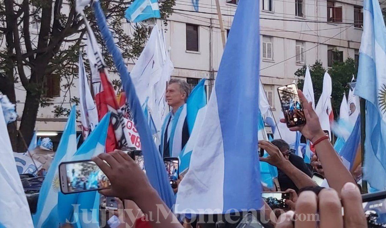 Una multitud de jujeños en la marcha del Sí se puede