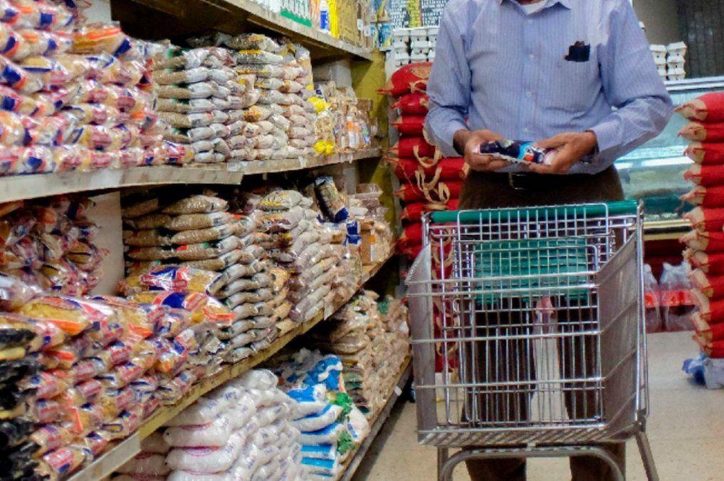 Ventas en supermercados y shoppings acumulan 14 meses en caída