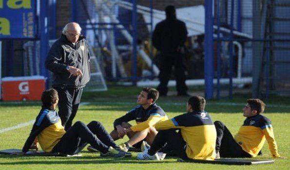 El nuevo delantero de Boca entrenó a la par de sus compañeros