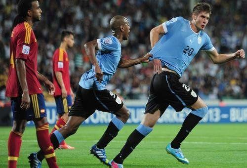 Uruguay eliminó a la favorita España en la prórroga