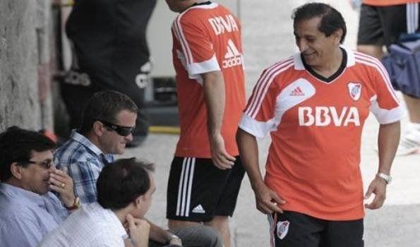 Passarella a Ramón: Si le traemos los refuerzos, va a tener que ser campeón