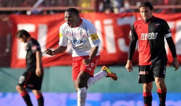 Argentinos derrotó a Colón, mandó al descenso al Rojo y se ilusiona
