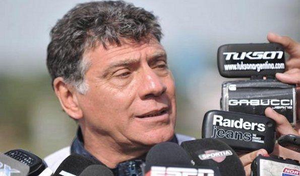 Brindisi seguirá en Independiente