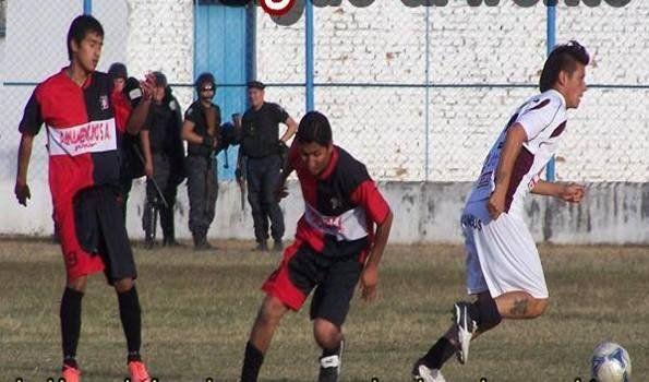 "En la Liga Jujeña, Luján ""Grana"", gusta y puntea"