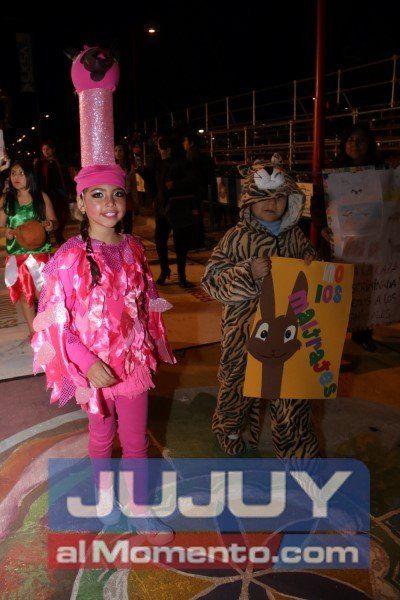 El desfile de los más chiquitos a todo color