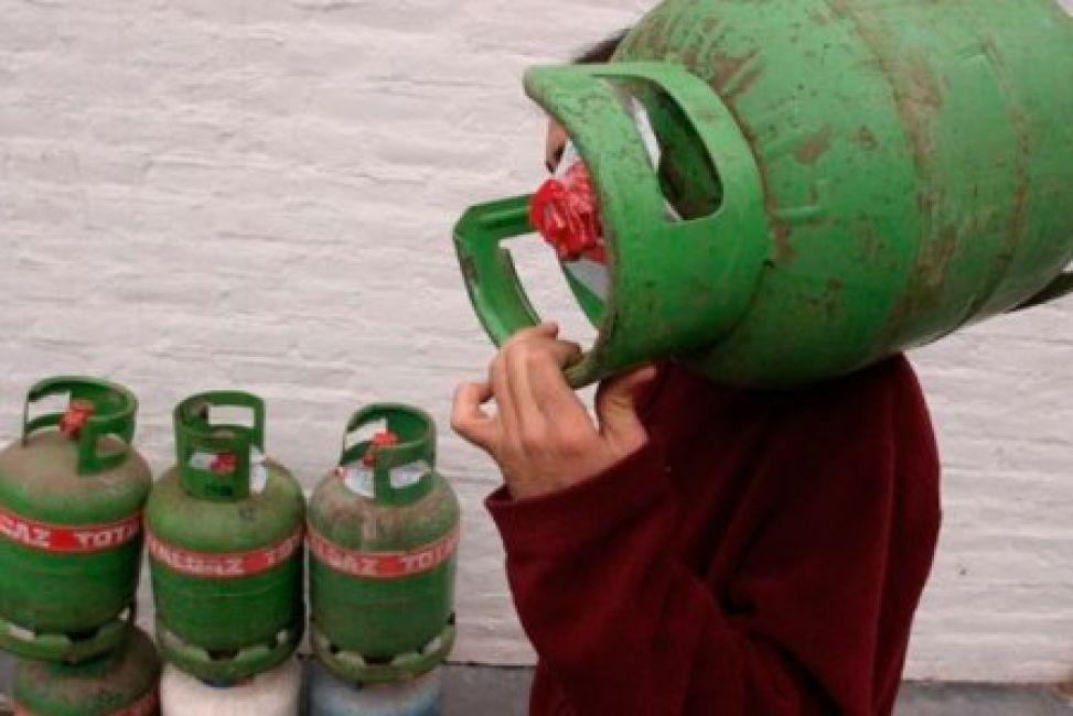 Entregan garrafas en Palpalá