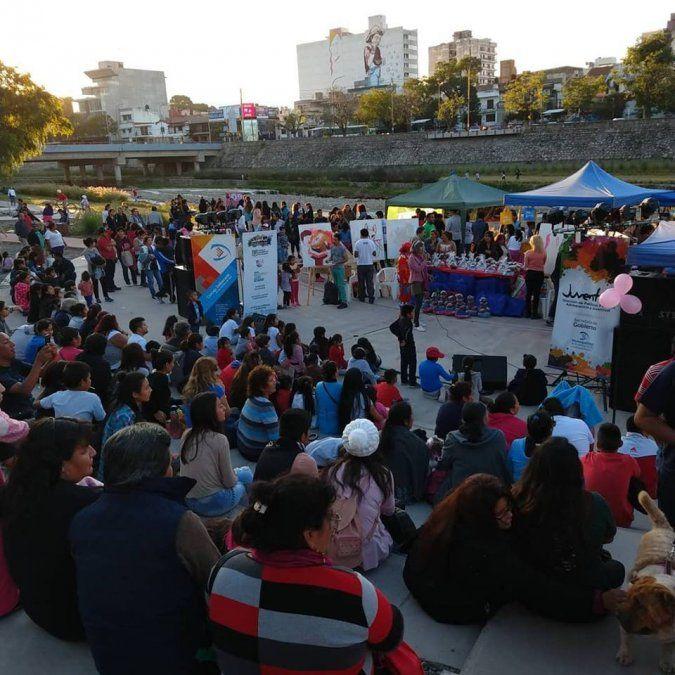 """Gran convocatoria en el """"perrotón"""" del Parque Xibi Xibi"""