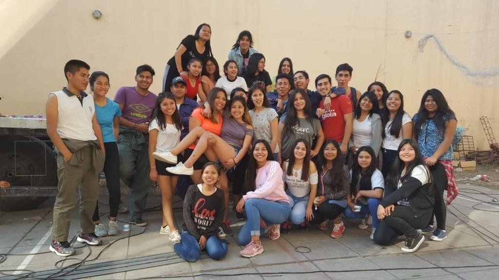 """Los carroceros del Colegio N°3 """"a full"""" en el canchón"""