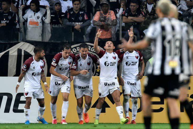 Colón le ganó por penales a Mineiro y es finalista de la Sudamericana