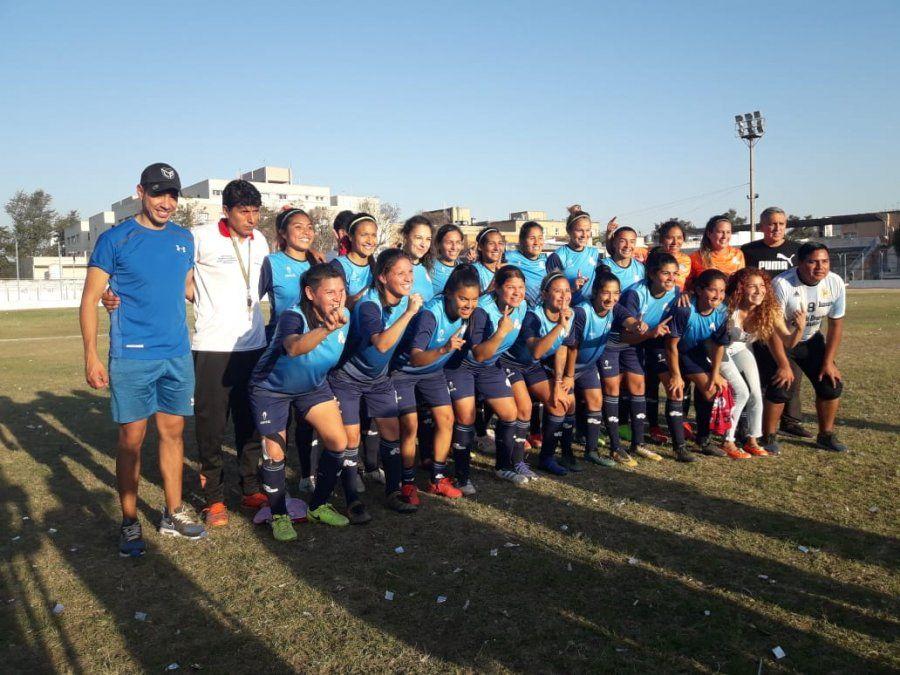 Histórica clasificación nacional en fútbol femenino